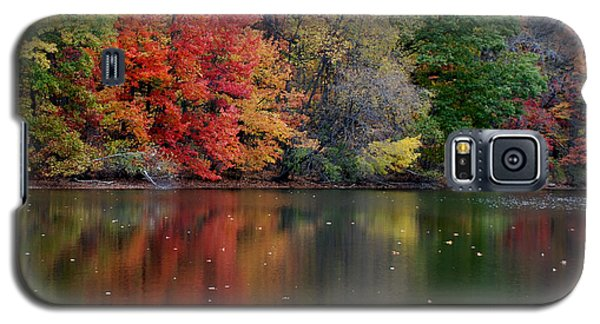 Galaxy S5 Case featuring the photograph Painted Water by Richard Bryce and Family