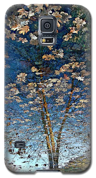 Painting In A Puddle Galaxy S5 Case by Ellen Tully