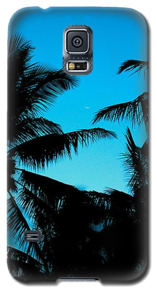 Palms At Dusk With Sliver Of Moon Galaxy S5 Case