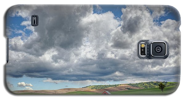 Palouse Country Barn With Storm Clouds Galaxy S5 Case