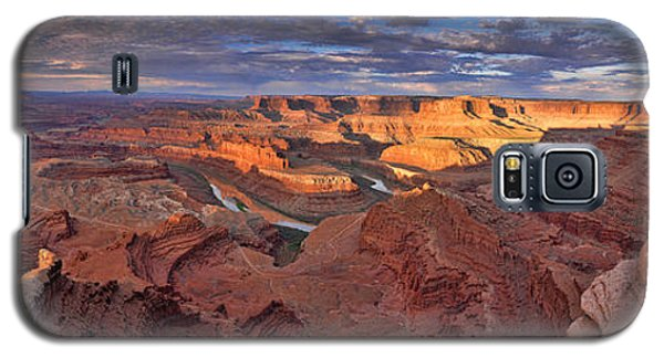 Galaxy S5 Case featuring the photograph Panoramic Sunrise Over Dead Horse Point State Park by Sebastien Coursol
