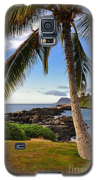 Galaxy S5 Case featuring the photograph Paradise Palm by Gina Savage