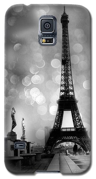 Paris Eiffel Tower Surreal Black And White Photography - Eiffel Tower Bokeh Surreal Fantasy Night  Galaxy S5 Case