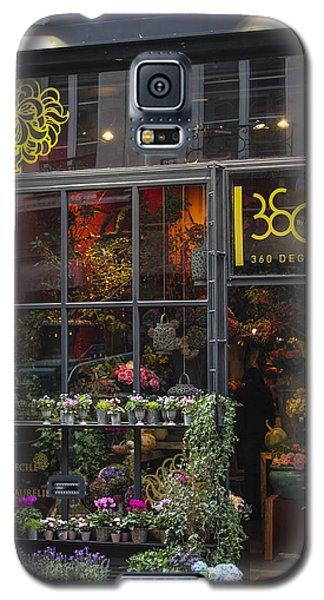 Galaxy S5 Case featuring the photograph Paris Flower Shop by Glenn DiPaola