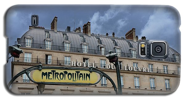 Paris Metropolitain Sign At The Paris Hotel Du Louvre Metropolitain Sign Art Noueveau Art Deco Galaxy S5 Case by Kathy Fornal