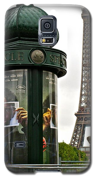 Galaxy S5 Case featuring the photograph Paris by Ira Shander
