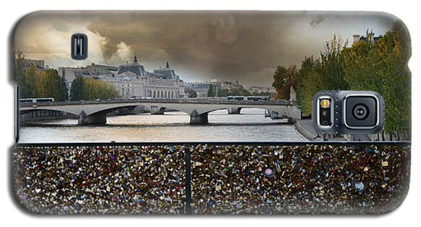 Paris Pont Des Art Bridge Locks Of Love Bridge - Romantic Locks Of Love Bridge View  Galaxy S5 Case