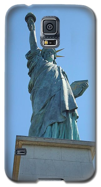 Galaxy S5 Case featuring the photograph Paris Statue Of Liberty by Kay Gilley