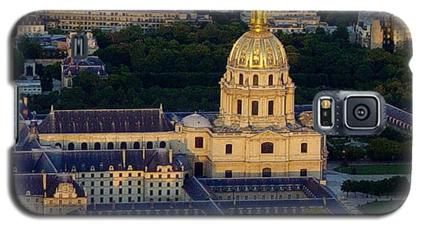 Galaxy S5 Case featuring the photograph Parisien Sundown by Deborah Smolinske
