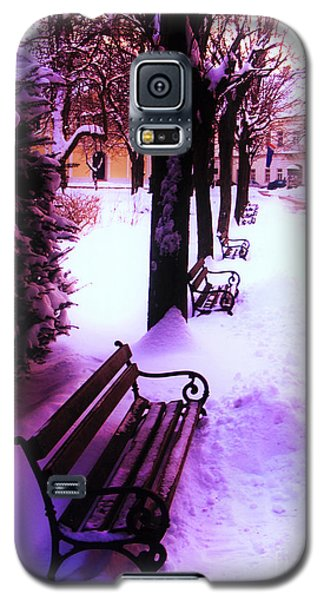 Park Benches In Snow Galaxy S5 Case by Nina Ficur Feenan