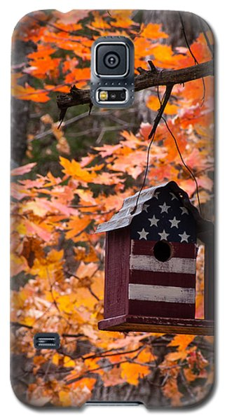 Galaxy S5 Case featuring the photograph Patriotic Birdhouse - 02 by Wayne Meyer