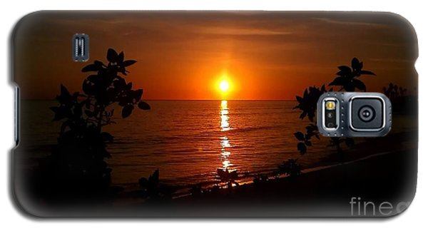 Peace At The Beach Galaxy S5 Case by Chris Tarpening