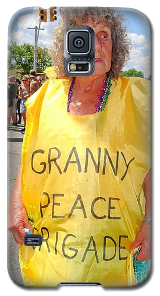 Galaxy S5 Case featuring the photograph Peace Granny by Ed Weidman