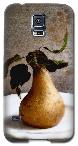 Pear On A White Plate Galaxy S5 Case by Louise Kumpf