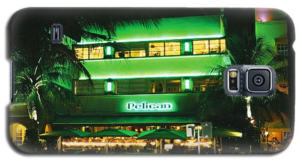 Galaxy S5 Case featuring the photograph Pelican Hotel Film Image by Gary Dean Mercer Clark