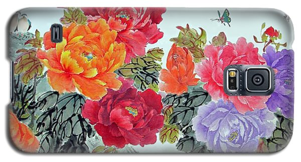 Galaxy S5 Case featuring the photograph Peonies And Birds by Yufeng Wang