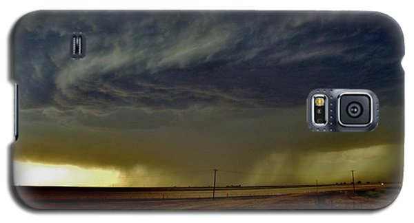 Galaxy S5 Case featuring the photograph Perryton Supercell by Ed Sweeney