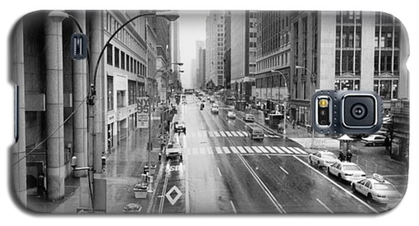 Galaxy S5 Case featuring the photograph Pershing View 42nd Street Nyc by Dave Beckerman