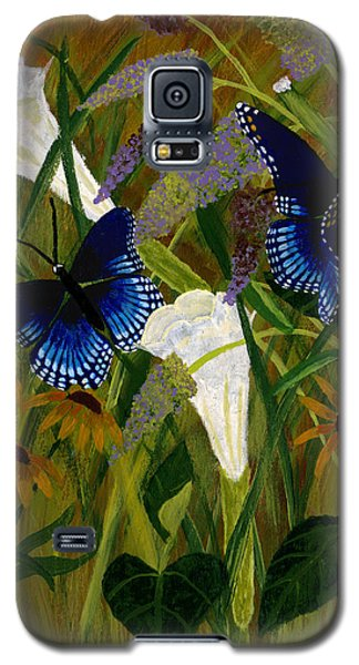 Perusing The Flowers Galaxy S5 Case