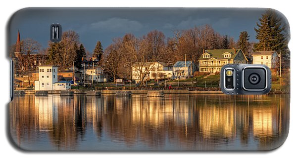 Reflection Of A Village - Phoenix Ny Galaxy S5 Case by Everet Regal
