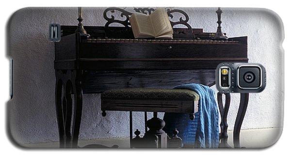 Piano With Candelabra Galaxy S5 Case