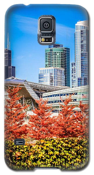 Picture Of Chicago In Autumn Galaxy S5 Case by Paul Velgos