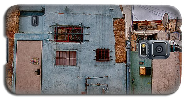 Galaxy S5 Case featuring the photograph Picturesque Facades by Uri Baruch