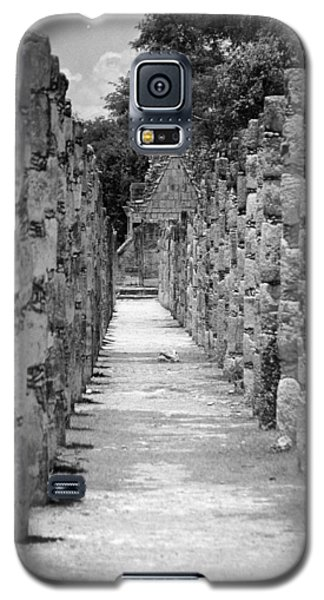 Galaxy S5 Case featuring the digital art Pillars In A Row by Kirt Tisdale