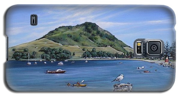 Galaxy S5 Case featuring the painting Pilot Bay Mt M 291209 by Sylvia Kula