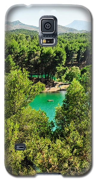 Pine Forests With Mountainous Backdrops Surround Turquoise Lakes Galaxy S5 Case