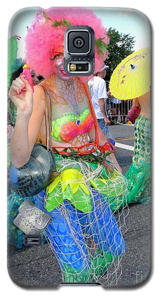 Galaxy S5 Case featuring the photograph Pink Afro by Ed Weidman