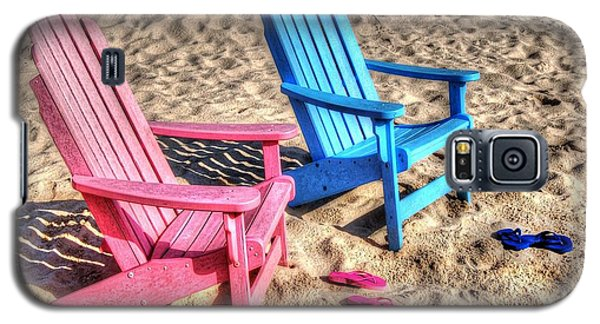 Pink And Blue Beach Chairs With Matching Flip Flops Galaxy S5 Case by Michael Thomas