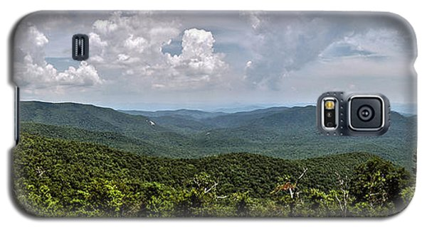 Galaxy S5 Case featuring the photograph Pink Bed On Blue Ridge Parkway by Allen Carroll