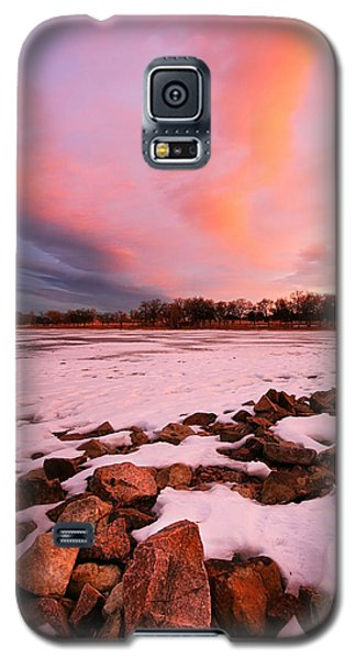 Galaxy S5 Case featuring the photograph Pink Clouds Over Memorial Park by Ronda Kimbrow