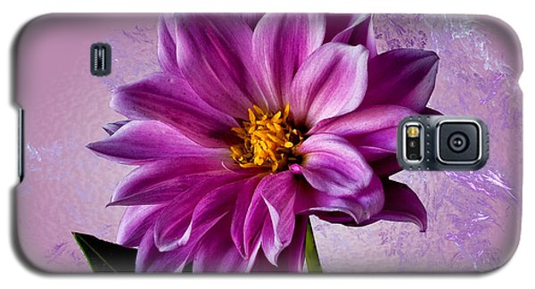 Galaxy S5 Case featuring the photograph Pink Dahlia by Shirley Mangini