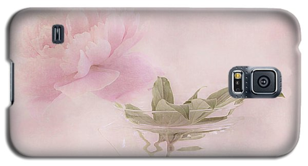 Pink Peony Blossom In Clear Glass Tea Pot Galaxy S5 Case