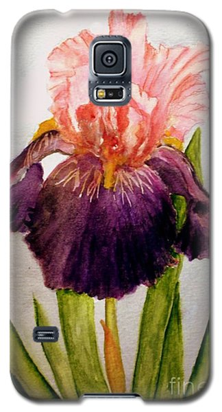 Galaxy S5 Case featuring the painting Pink/purple Iris by Carol Grimes