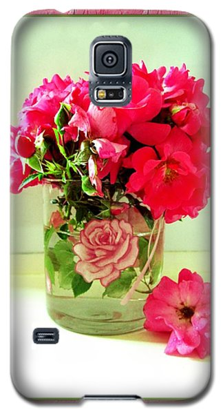 Pink Ribbon Roses Galaxy S5 Case by Margaret Newcomb
