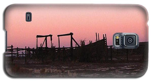Pink Sunset Over Corral Galaxy S5 Case