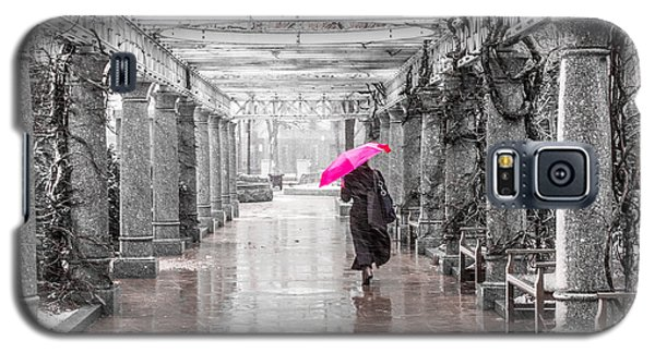 Pink Umbrella In A Storm Galaxy S5 Case