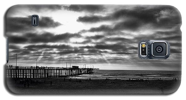 Galaxy S5 Case featuring the photograph Pismo Pier by Joseph Hollingsworth