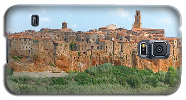 Galaxy S5 Case featuring the photograph Pitigliano Panorama by Alan Socolik