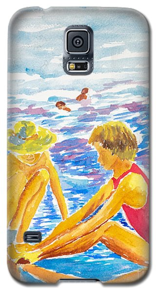 Playing On The Beach Galaxy S5 Case