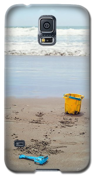 Playtime At The Beach Galaxy S5 Case