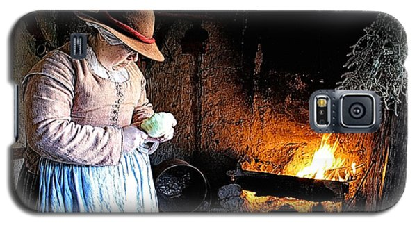 Plimoth Plantation  Pilgrim Fireplace Cooking Galaxy S5 Case by Constantine Gregory