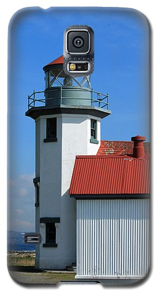 Galaxy S5 Case featuring the photograph Point Robinson Light House by E Faithe Lester