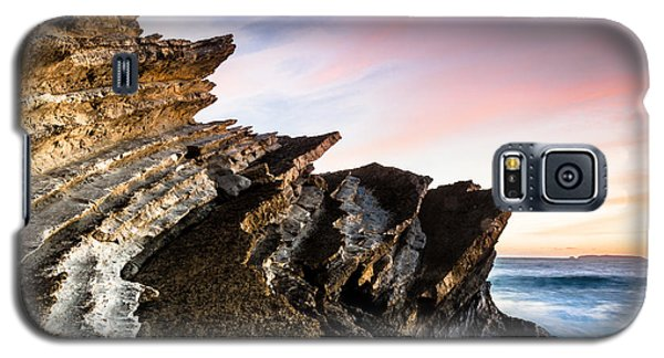Galaxy S5 Case featuring the photograph Pointing To The Sky by Edgar Laureano