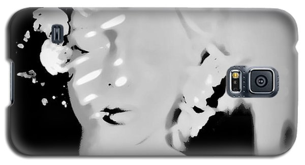 Galaxy S5 Case featuring the photograph Poise by Jessica Shelton