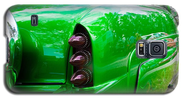 Galaxy S5 Case featuring the photograph Poison Ivy Green Custom Car by Mick Flynn