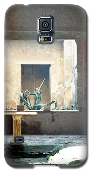 Galaxy S5 Case featuring the photograph Pompeii Courtyard by Marna Edwards Flavell